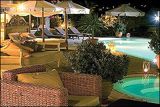 Andronikos Pool Lounge