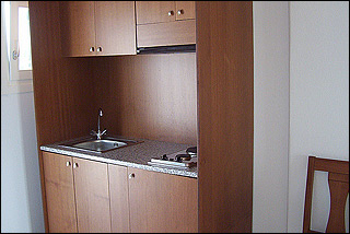 Petinaros Guestroom Kitchen