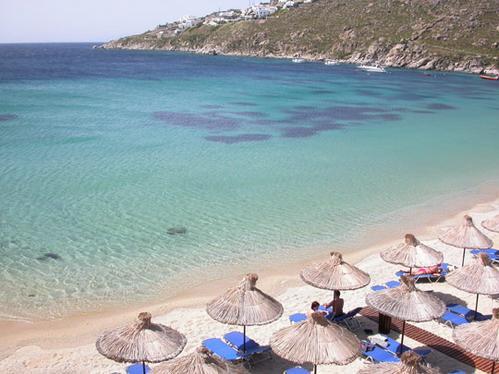 Playa de Mykonos: Psarou. Imagen: mykonos-hotels.info